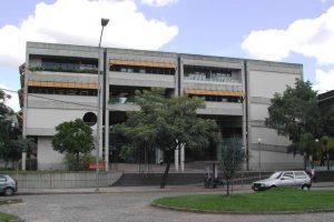Imagem da fachada da Escola de Ciência da Informação