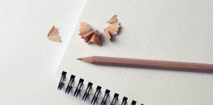 Imagem de cadernos e lápis