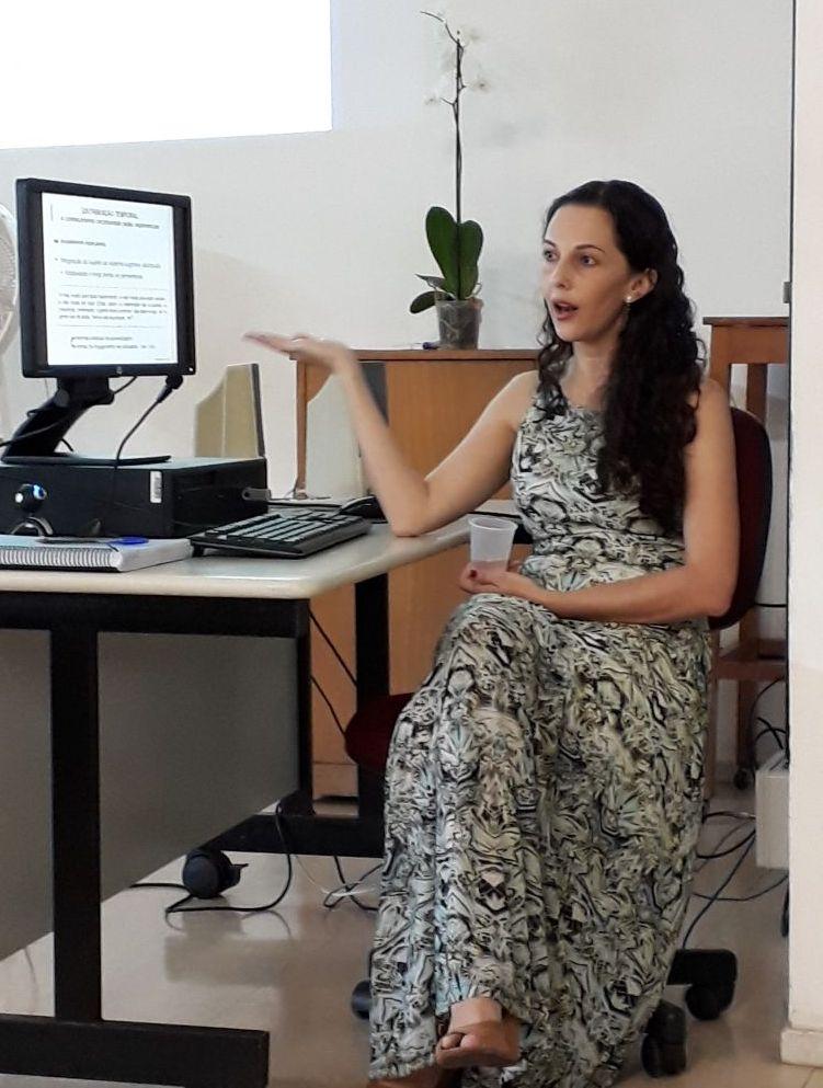 Foto de Janicy Rocha na defesa da tese dela no PPGCI UFMG